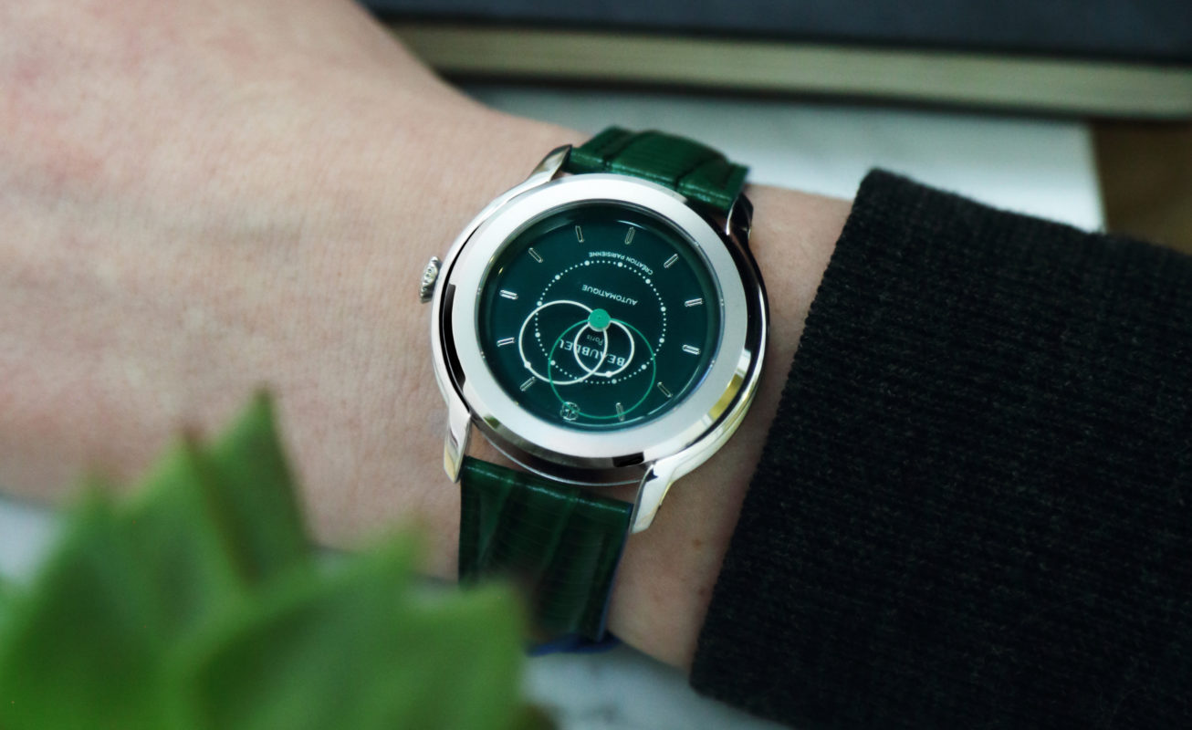 Beaubleu Union collection circular hands automatic watch Emerald Green Brio with green leather strap on woman wrist