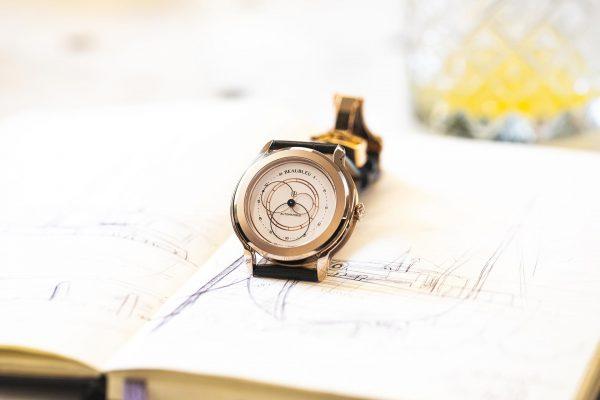 Beaubleu Collection Union montre automatique aux aiguilles rondes Olympe Or Rose cadran blanc