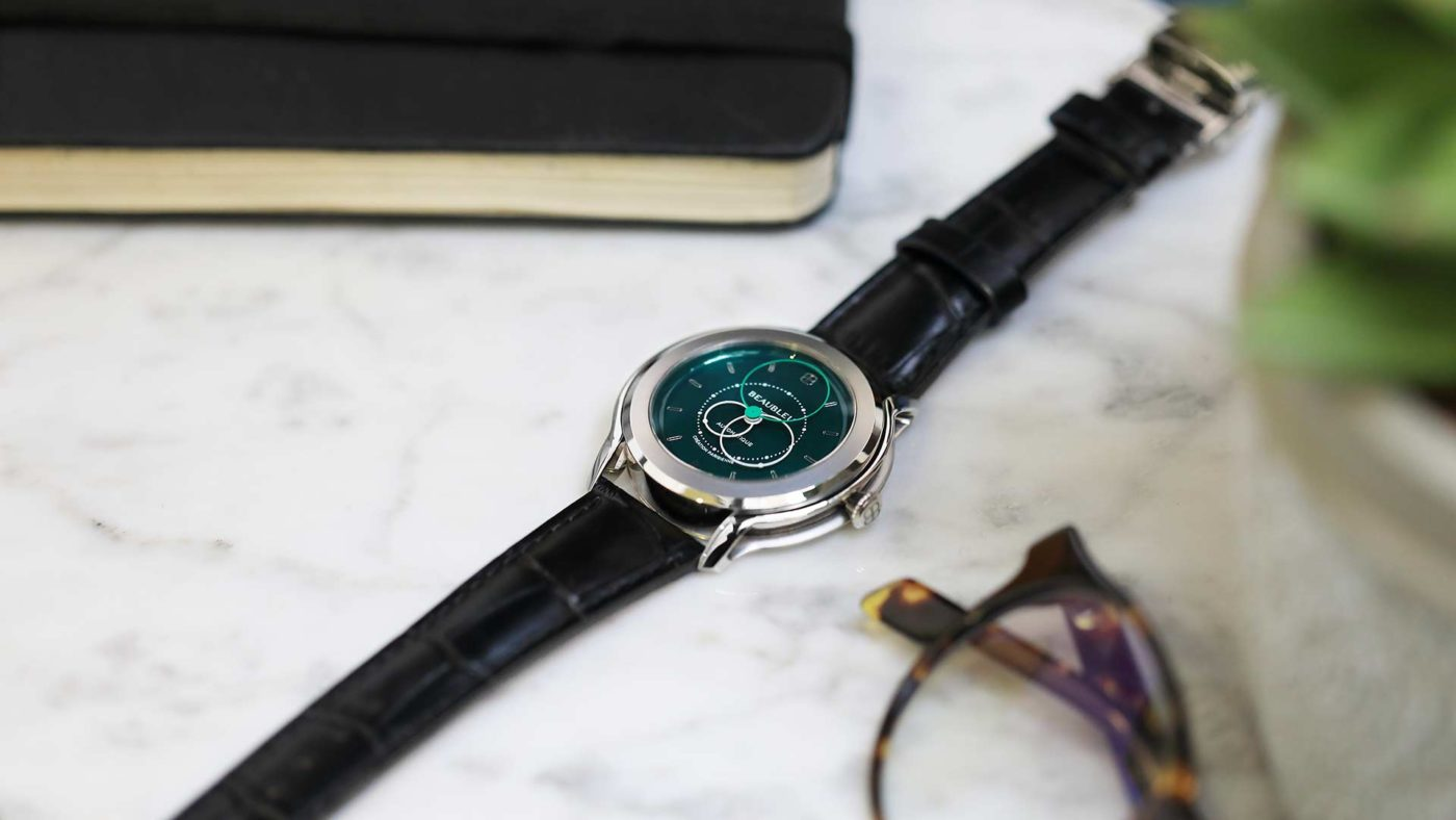 Beaubleu circular hands automatic watch Emerald Green Brio with steel case